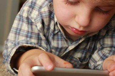 Çocuklara Akıllı Cihazları Bilinçli Kullanmayı Öğretmek